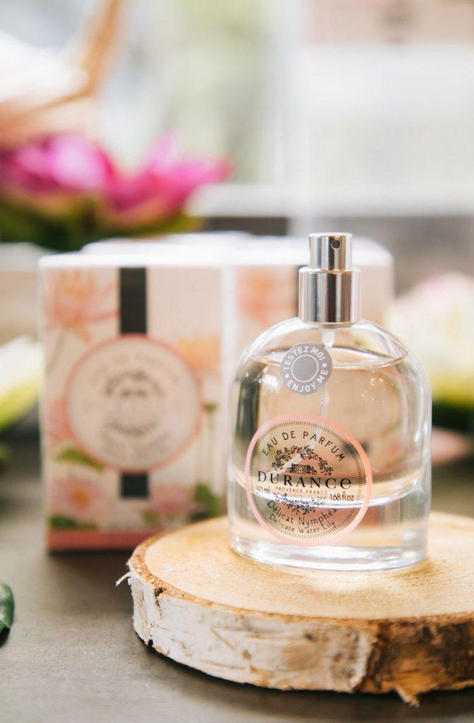 Faire un atelier olfactif au magasin Durance de Grignan. crédit photo : Clara Ferrand - blog WIldroad