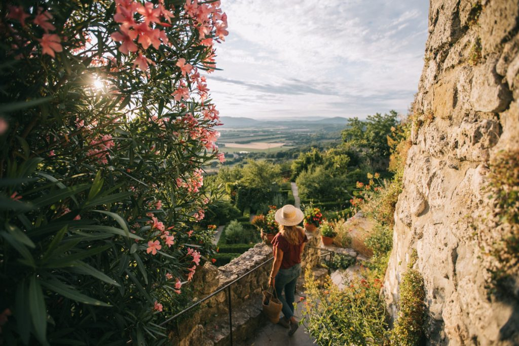 Le jardin des herbes de la Garde Adhémar. crédit photo : Clara Ferrand - blog Wildroad