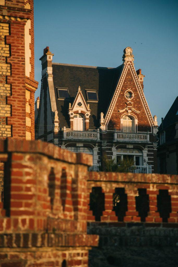 L'architecture des villas belle époque de Houlgate sur la côte normande. crédit photo : Clara Ferrand - blog Wildroad