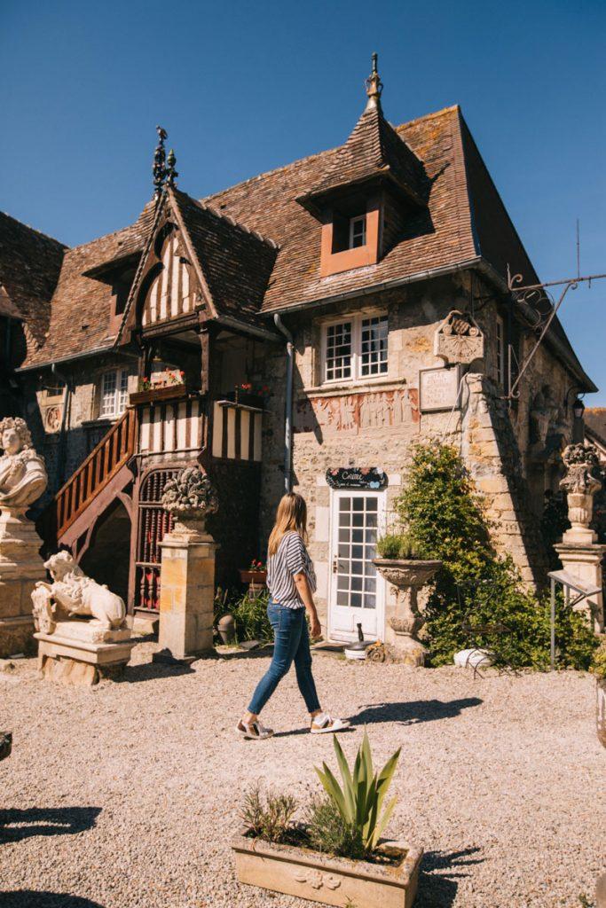 Le village médieval de Guillaume le Conquérant en Normandie. crédit photo : Clara Ferrand - blog Wildroad