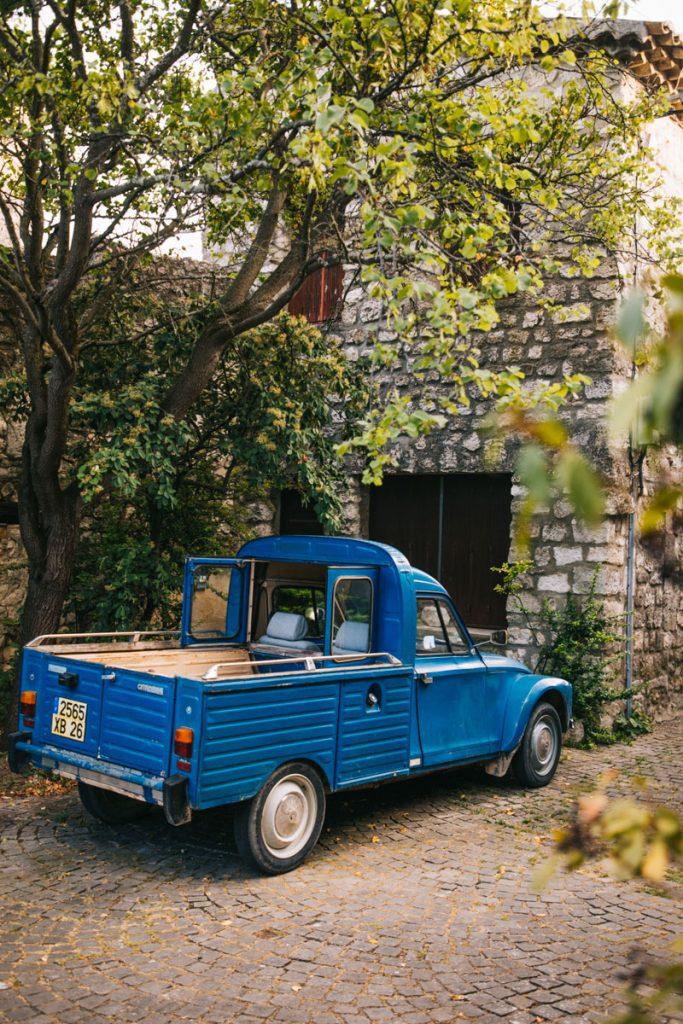 La Garde Adhémar et ses ruelle médiévale dans la Drôme Provençale. crédit photo : Clara Ferrand - blog Wildroad