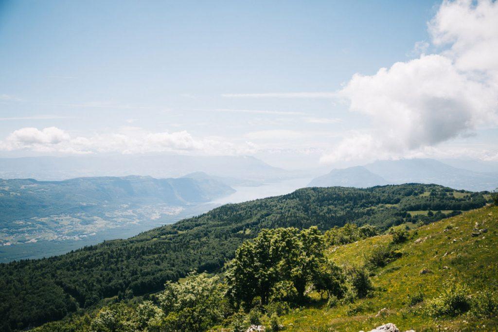 Le paysage depuis le Grand Colombier dans le Buggy. crédit photo : Clara Ferrand - blog Wildroad