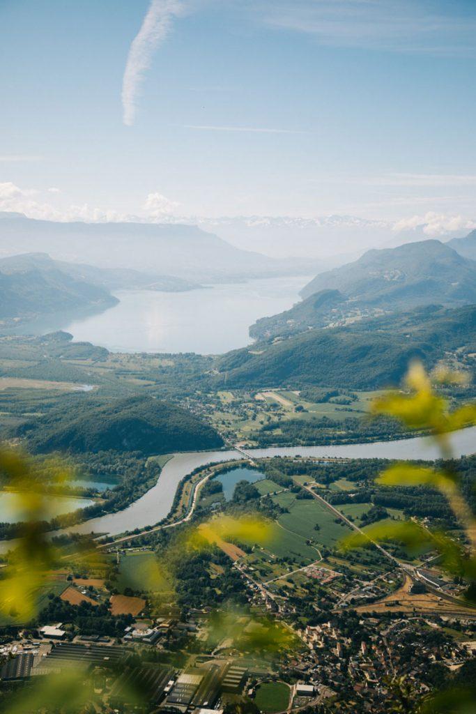 La vue sur le lac du Bourget depuis les hauteurs de Culoz. crédit photo : Clara Ferrand - blog Wildroad