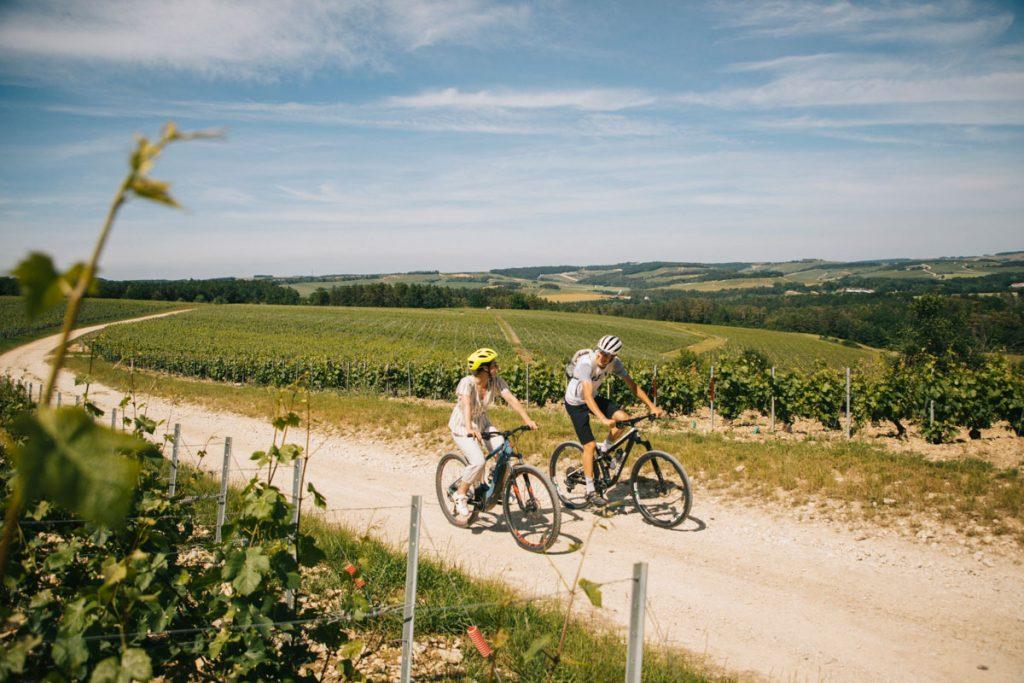 Balade à vélo dans la Côte des Bar. crédit photo : Clara Ferrand - blog WIldroad