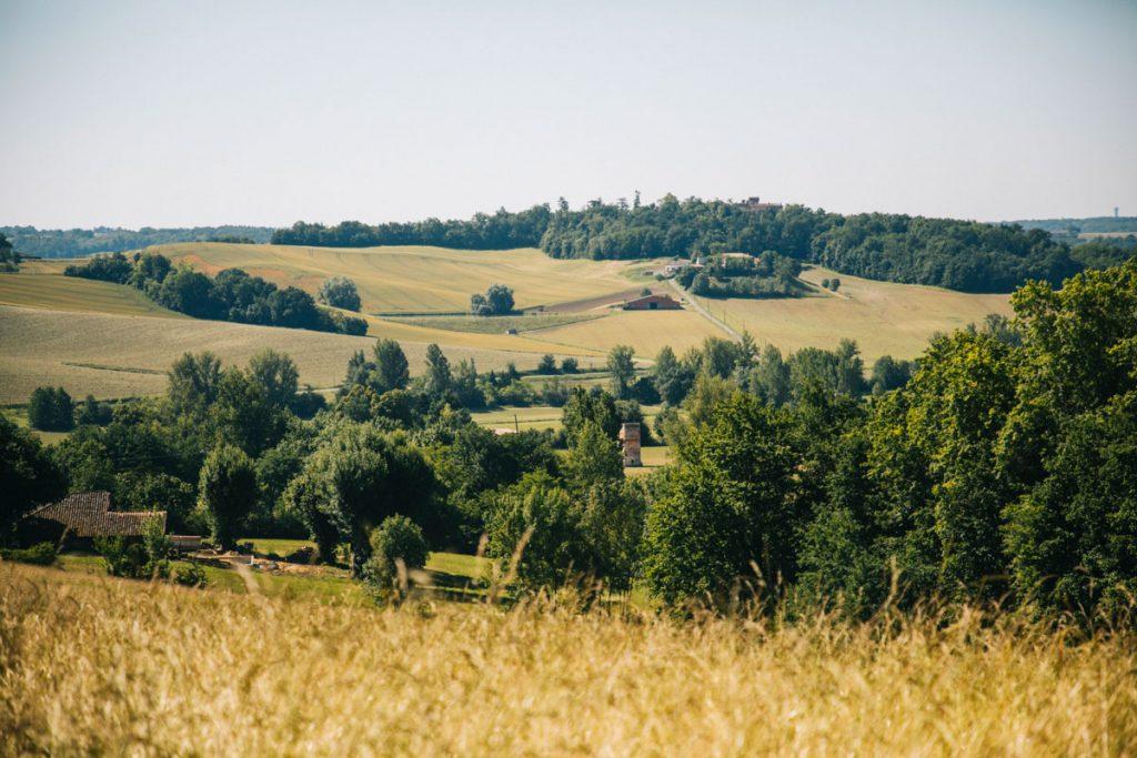 Faire le gr de pays des coteaux de Vazerac. crédit photo : Clara Ferrand - blog Wildroad