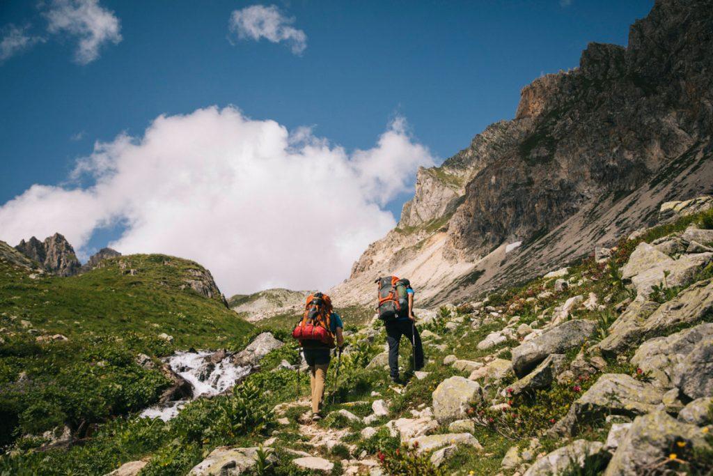 la montée au col du Mont-Rosset dans le Beaufortain. crédit photo : Clara Ferrand - blog Wildroad