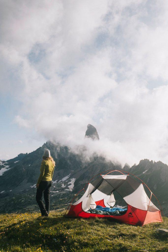 Faire un bivouac au lac de Presset en Savoie. crédit photo : Clara Ferrand - blog Wildroad