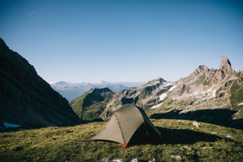 les règles à connaitre pour faire un bivouac en montagne. crédit photo : Clara Ferrand - blog Wildroad