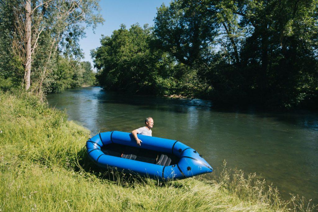 Sortie en kayak pack craft sur la Seine dans l'Aube. crédit photo : Clara Ferrand - blog WIldroad