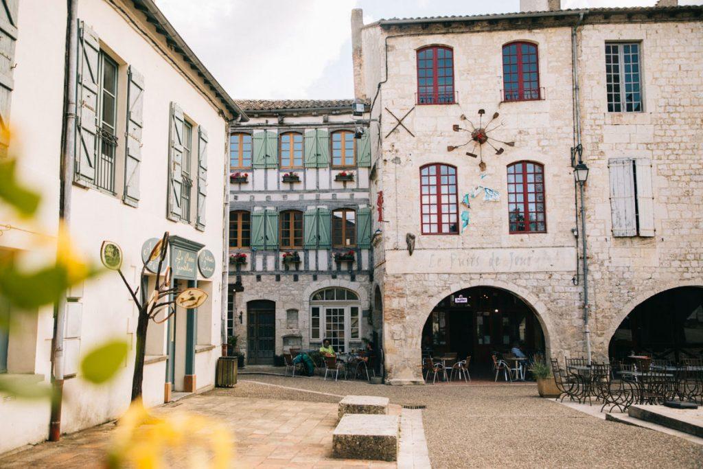 Le village de caractère Lauzerte dans le Tarn et Garonne. crédit photo : Clara Ferrand - blog WIldroad