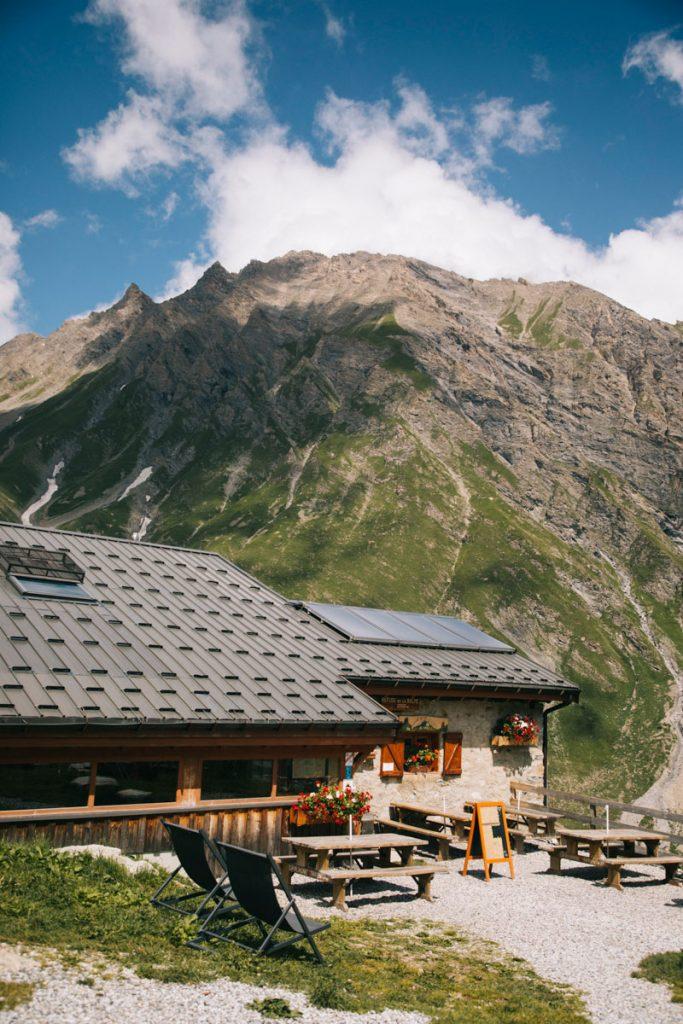 Refuge communale de la Balme en Savoie. crédit photo : Clara Ferrand - blog Wildroad