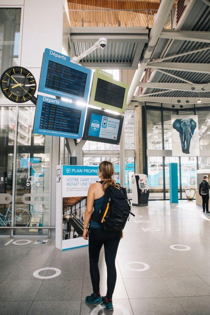 Gare de Chambéry TGV pour faire une randonnée. crédit photo : Clara Ferrand - blog Wildroad
