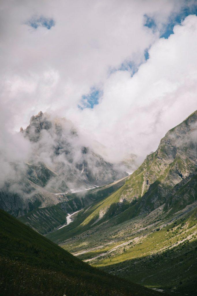 Le vallon pour accéder au refuge de la Balle en partant du Forand. crédit photo : Clara Ferrand - blog Wildroad