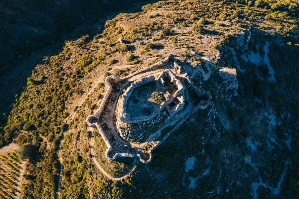 Visiter le chateau d'Aguilar à Tuchan dans les Corbières. crédit photo : Clara Ferrand - blog Wildroad